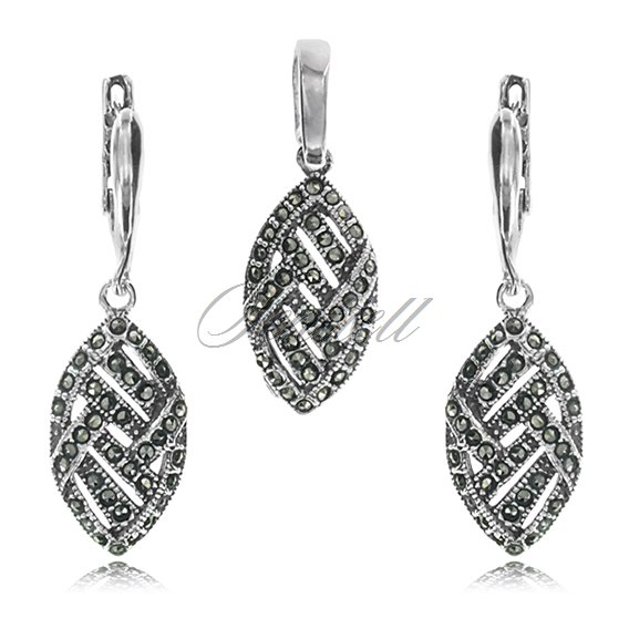 Silver (925) jewelry set (earrings and a pendant) marcasites