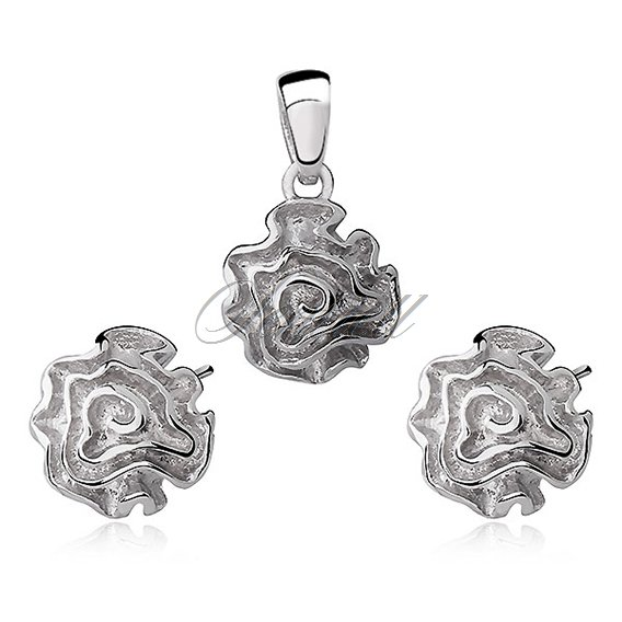 Silver (925) jewelry set (earrings and a pendant) roses