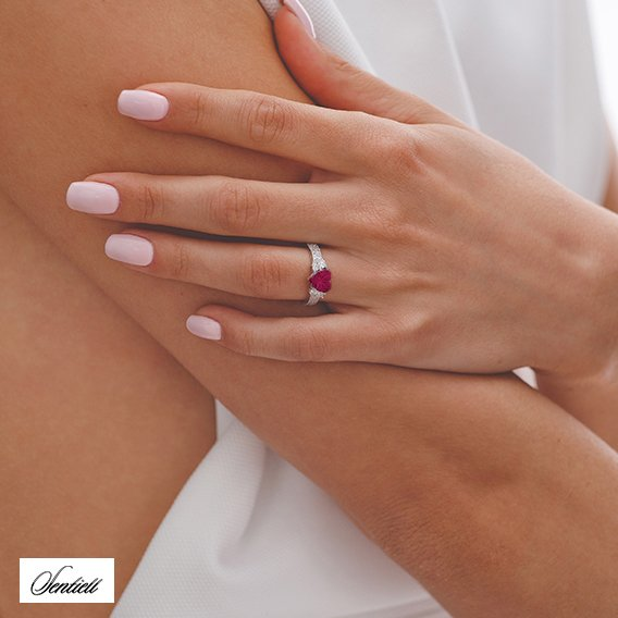 Silver (925) ring heart - ruby zirconia