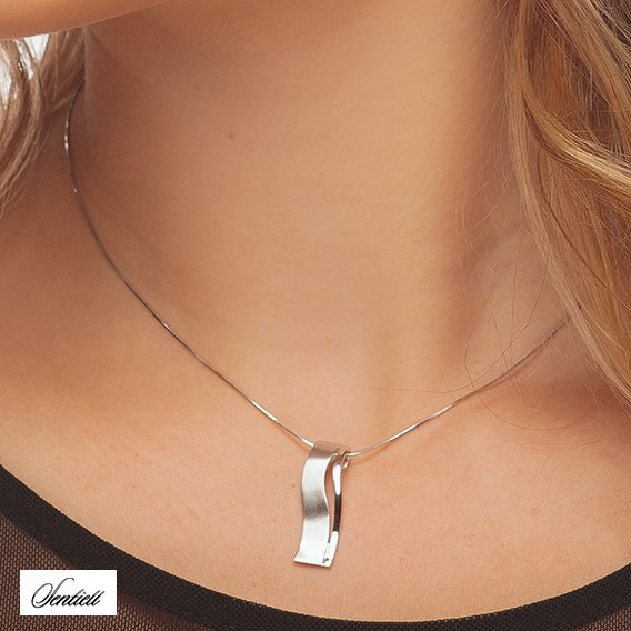 Silver pendant (925) elegant high polished and satin